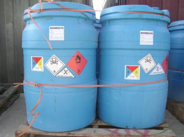 Residuos peligrosos con etiquetas