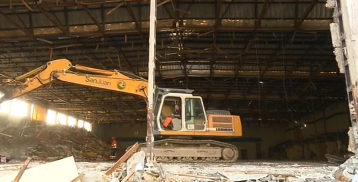Demolición Palacio de Hielo de Jaca