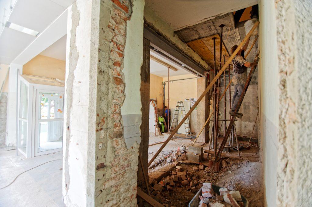 Demolición llevada a cabo por empresas de Demoliciones